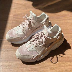 Nike Air Huarache Sneakers Runners size 8 39